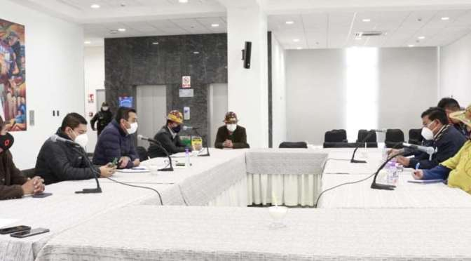 Arce no asiste a la reunión de transición, pero envía una comisión