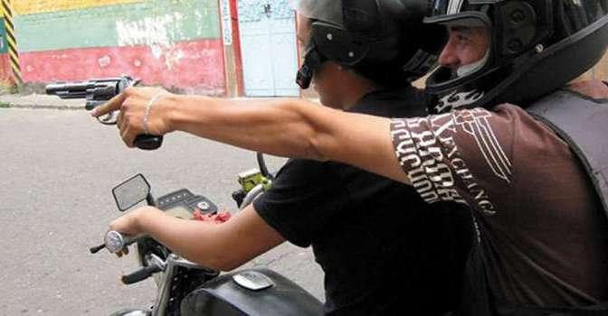 Dos motochorros atracan a dos transportistas paraguayos en frontera de Villa Montes
