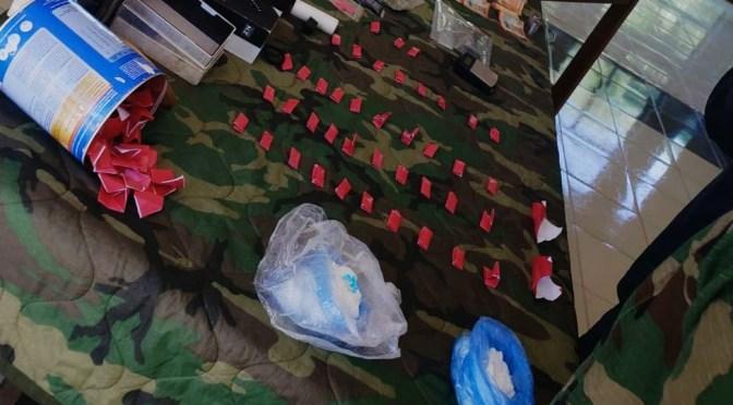 Secuestran cocaína y marihuana valuado en más de bs 35.000 a un vendedor de pernos