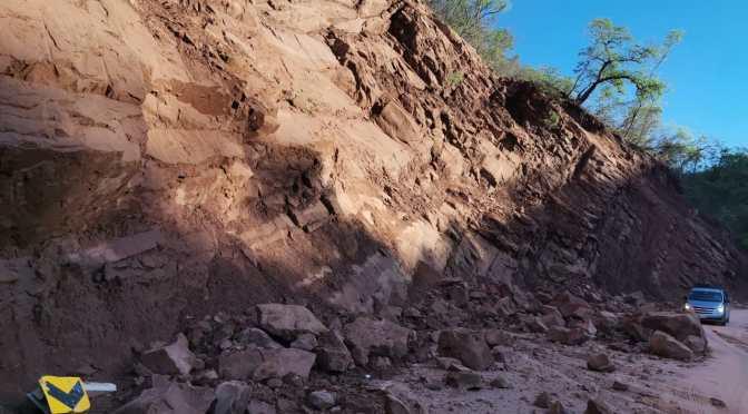 Lodo, piedras y huecos en la carretera al Chaco por los derrumbes