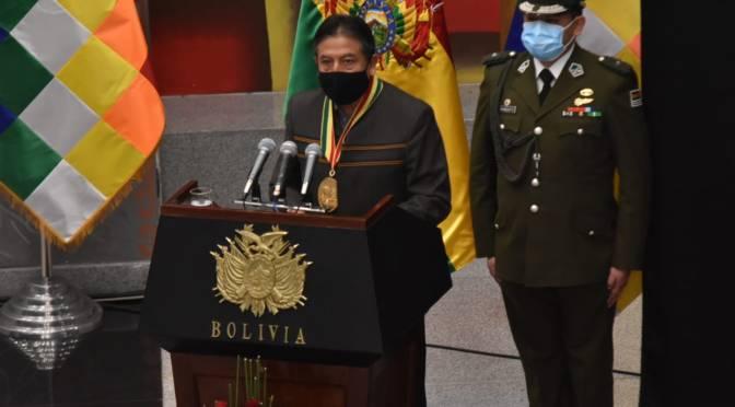 Choquehuanca dice que el COVID-19 exige fusión entre medicina académica y tradicional