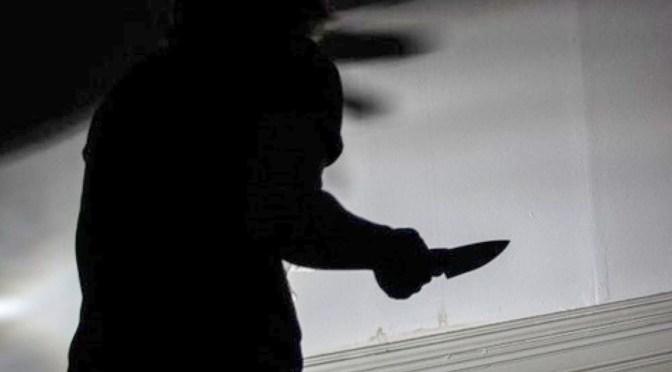 Atracadores apuñalan en el tórax y brazo izquierdo a un sujeto en el barrio 3 de mayo