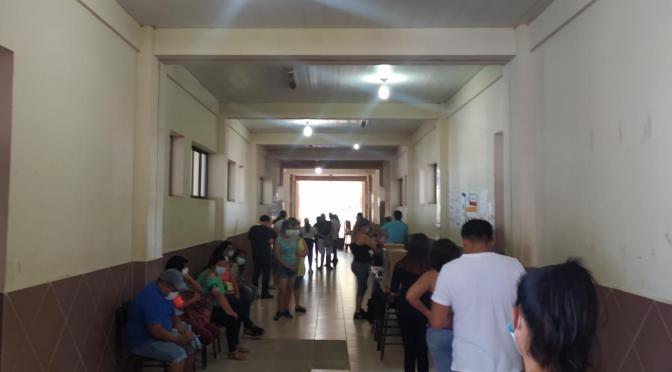 Retrasos y ausencia de jurados marcan la jornada electoral en Yacuiba
