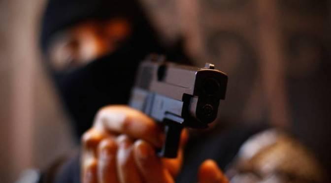 En Yacuiba: Una pareja de jóvenes son asaltados por un delincuente armado con una pistola