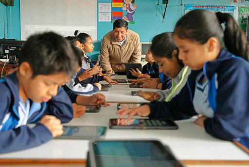 Alumnos aun no reciben material de apoyo escolar