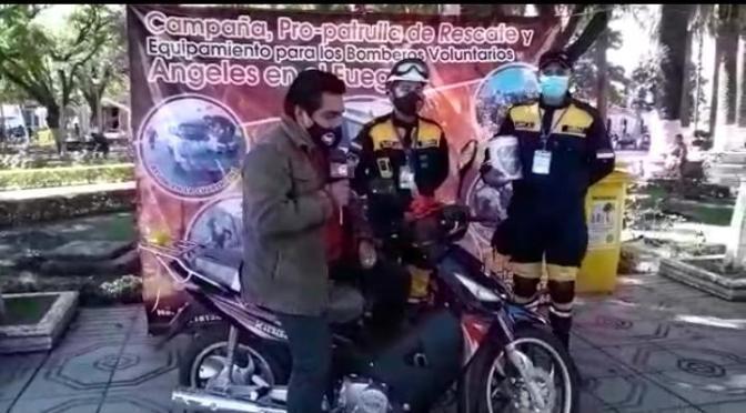 Bomberos «Ángeles en el Fuego» rifan una motocicleta, necesitan recursos para equiparse