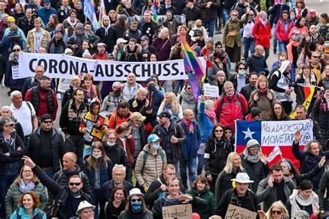 Alemanes marchan en repudio a las restricciones por la pandemia