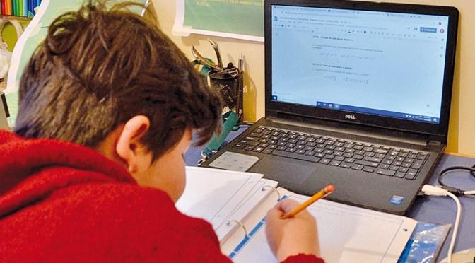 Rosas: Impuesto a servicios digitales afectará a la educación y podría generar conflictos sociales