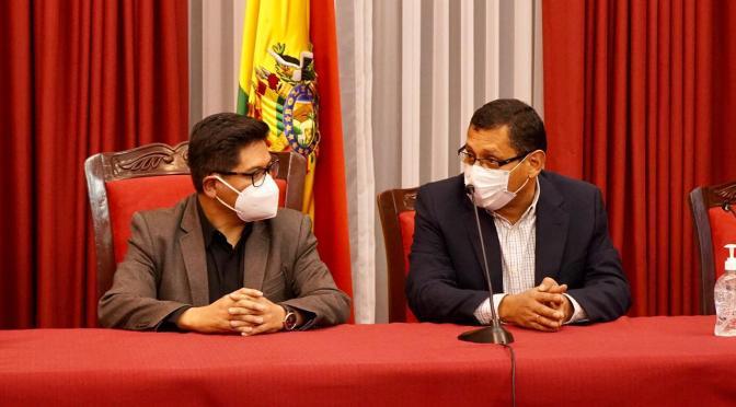 Montes se reúne con el Gobierno para encontrar salidas a la crisis económica