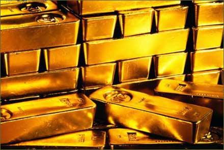 Arce presenta proyecto de ley para autorizar compra de oro