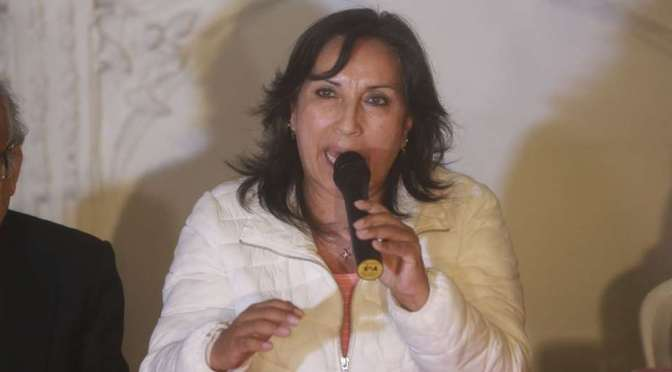 """Nueva vicepresidenta de Perú anticipa trabajo conjunto con Arce Catacora para """"sacar adelante a nuestros pueblos"""""""