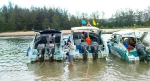 outboard at Noparat pier