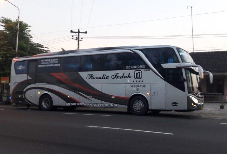 Bus kelas super eksekutif