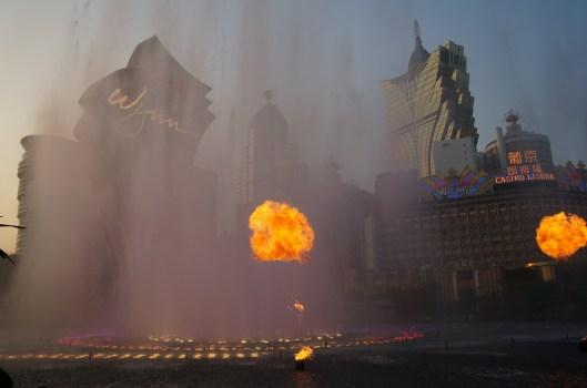 Ūdens un uguns šovs pie Wynn