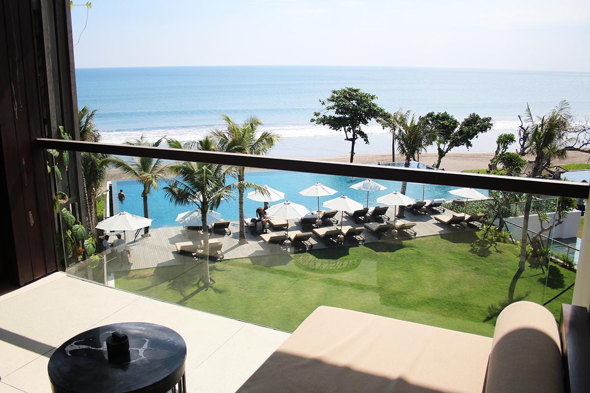 Bali Beachfront Bliss At Alila Seminyak AND A THOUSAND WORDS