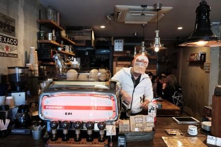 COFFEE ROUGHNECKS 武骨な空間はニュージーランドスタイルのカフェ