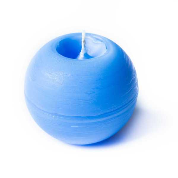 Svíčka – světle modrá koule s certifikovanou přírodní silicí, Candle - light blue ball with certified 4