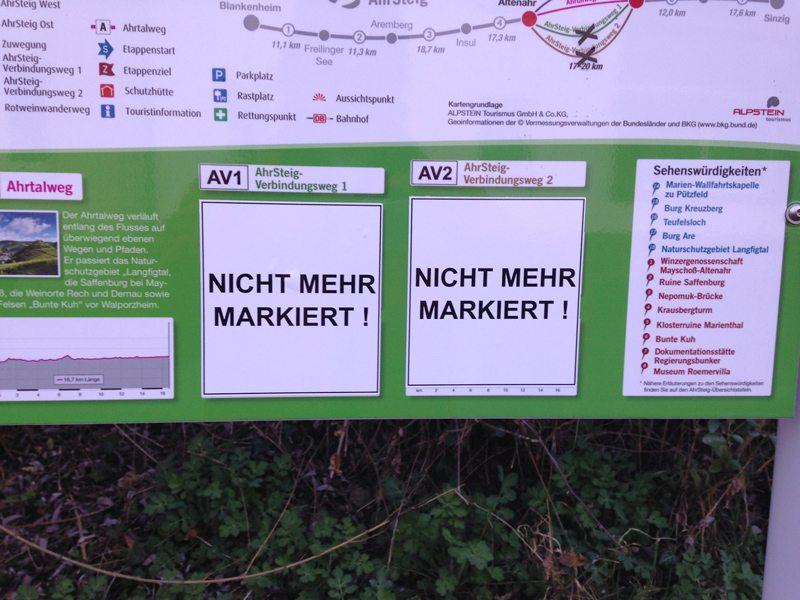 Hier steht ein Bild mit dem Titel: Letzter Hinweis vor der Autobahn: AV1 ist nicht mehr markiert (Foto: Hans-Joachim Schneider)