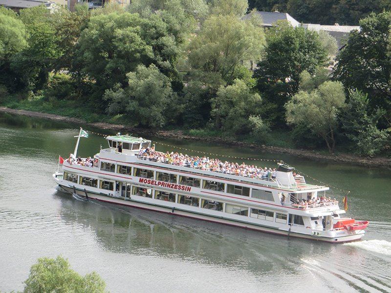 Mosel, Schiff, Passagiere, Ufer, Grün, Wasser