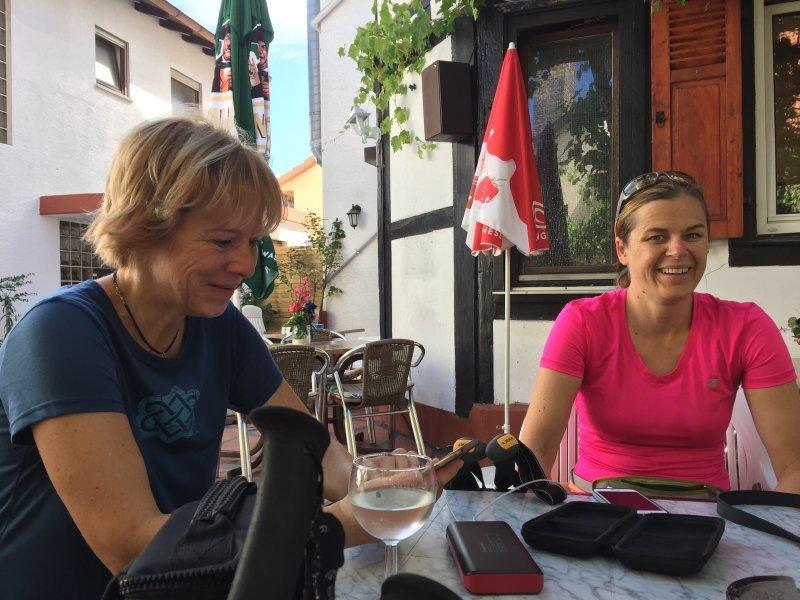 Einkehr in Birkenau beim Italiener, Kaffee, Espresso und was Kühles zum Trinken.