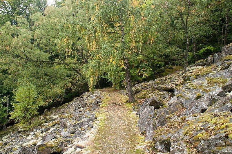 Wieder der Geröllpfad durch das Steinmeer