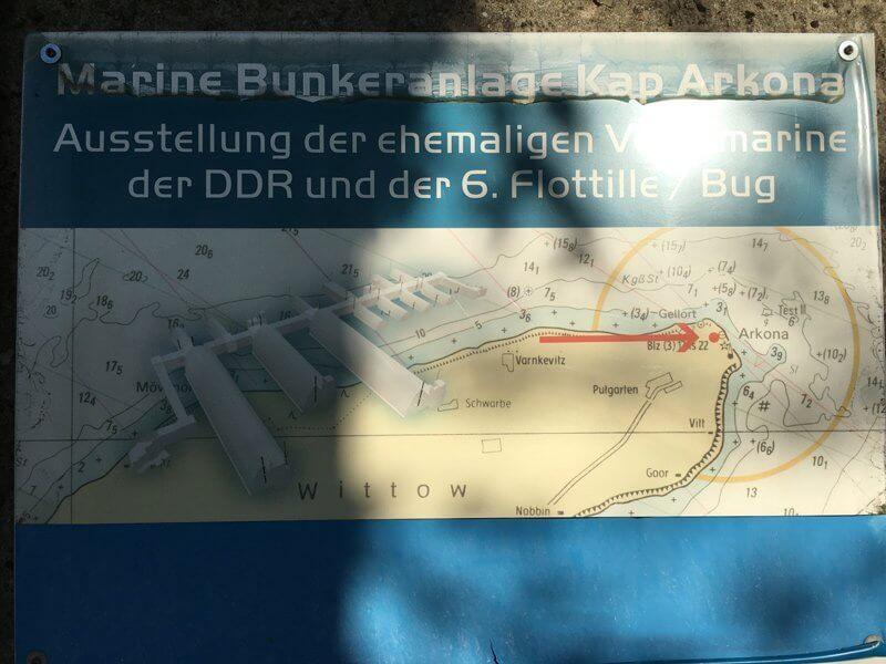 Hinweis auf alte NVA-Bunkeranlagen am Kap Arcona