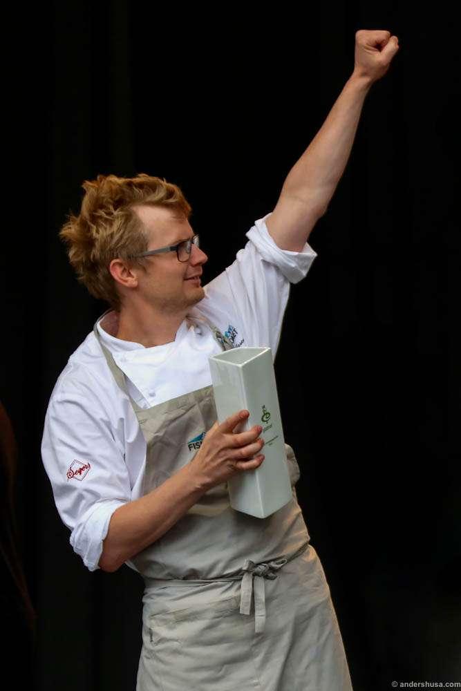 "Karl Erik Pallesen celebrates winning the category ""Best experience"""