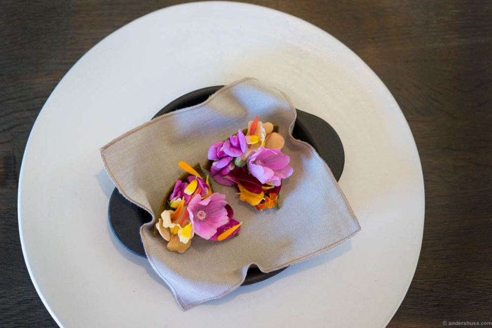 The famous flower tart. In some sense this is the quintessential new Nordic dish