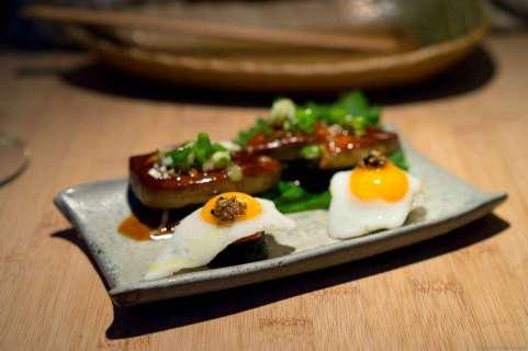 Gunkan with foie gras & teriyaki sauce and fried quail egg with truffle