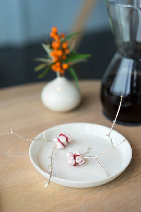Marshmallow with rose hip