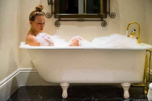 Claw-footed bathtubs