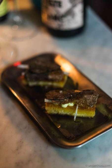 Truffle toasts