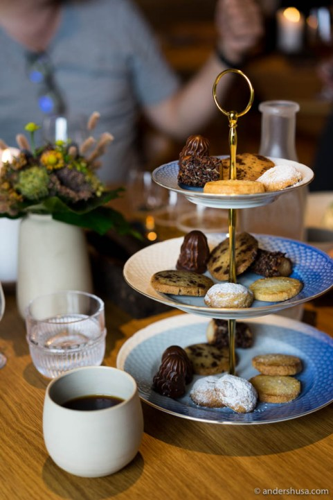 "Sweet cakes petits fours, including Danish ""flødeboller"""