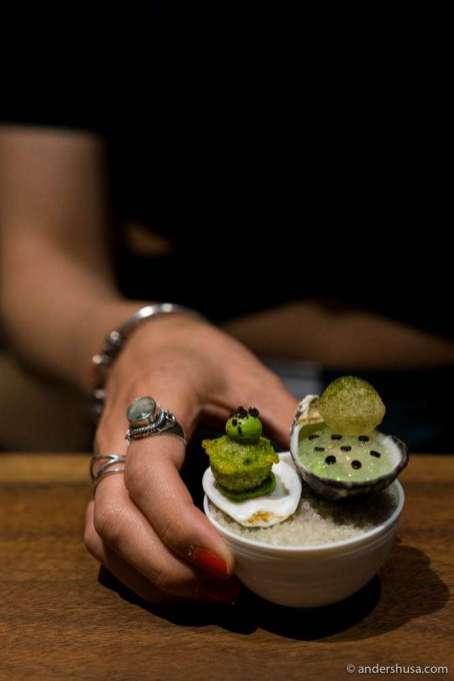 Kusshi oyster, sea lettuce & black truffle