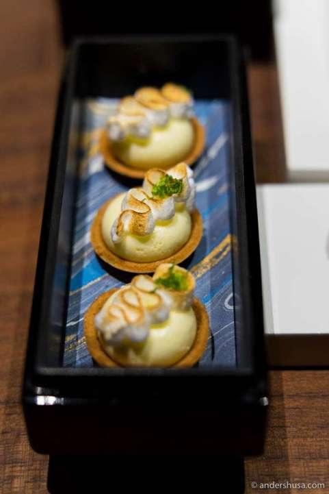 Heavenly lemon meringue mini pies