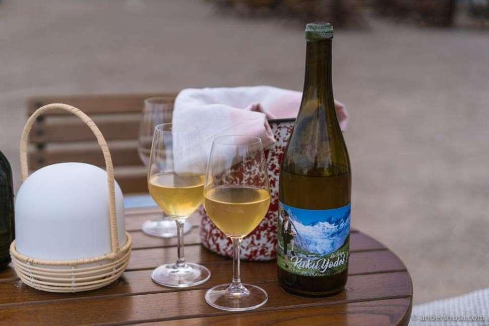 We enjoyed a bottle of Kuku Yodel from La Sorga.