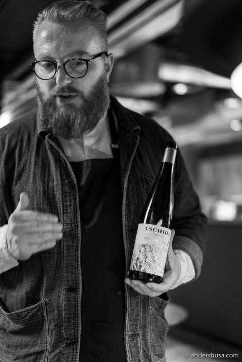 Solfinn Danielsen from the wine shop Rødder & Vin in Copenhagen was present to serve wine