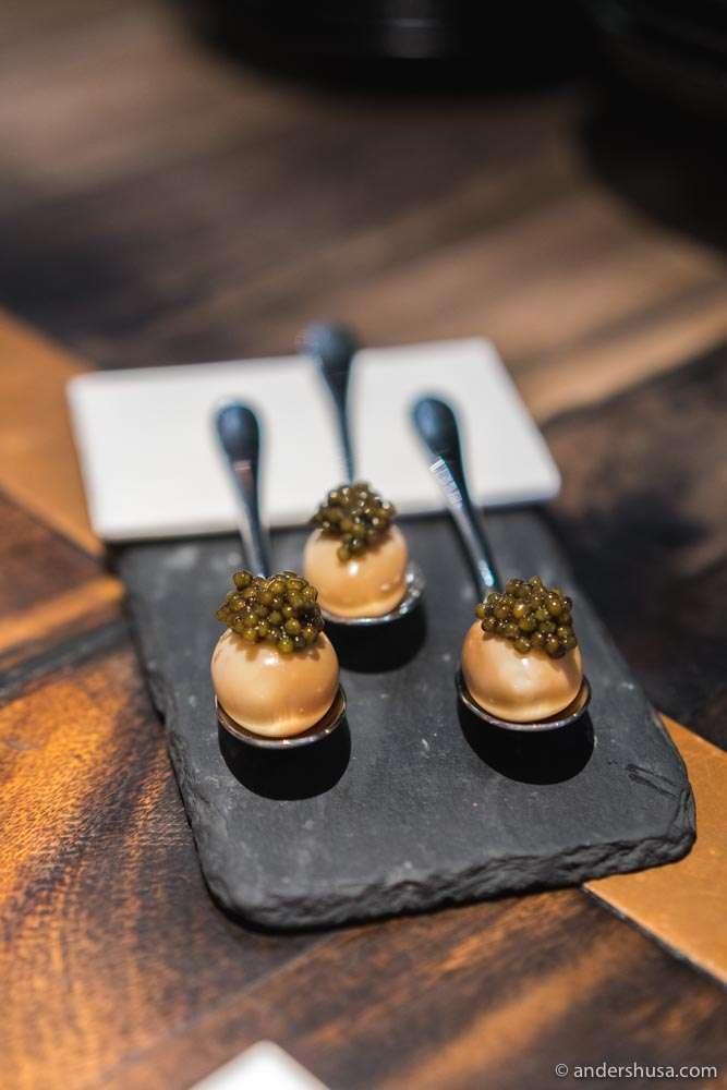 Smoked quail egg & caviar