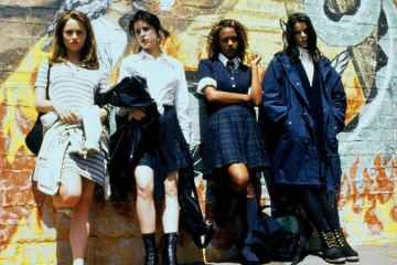 COMET TV wants you to enter to win a THE CRAFT themed gift pack 27