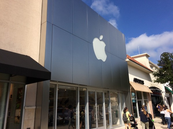 JAX Apple Store