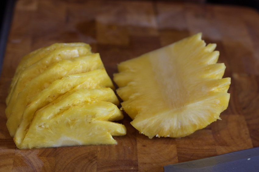 How to cut a pineapple 11
