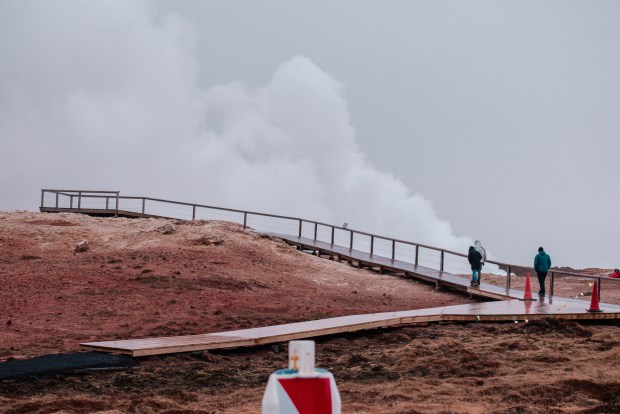 Gunnuhver | REYKJANES PENINSULA TRAVEL GUIDE AND ITINERARY | www.andiamoaurora.com | Explore Iceland's Reykjanes Peninsula with a one-day road trip with more than 20-must see sites