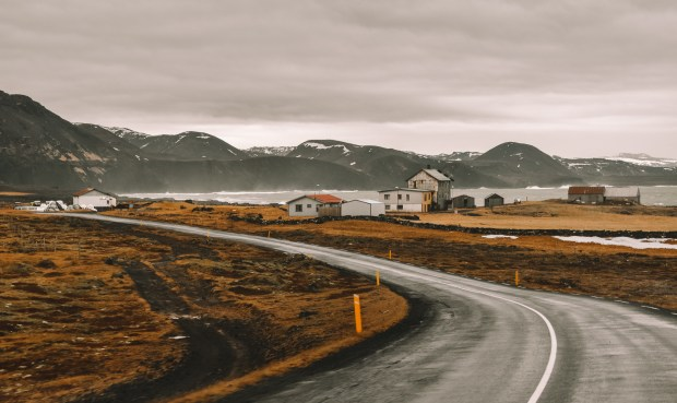 Grindavik | REYKJANES PENINSULA TRAVEL GUIDE AND ITINERARY | www.andiamoaurora.com | Explore Iceland's Reykjanes Peninsula with a one-day road trip with more than 20-must see sites