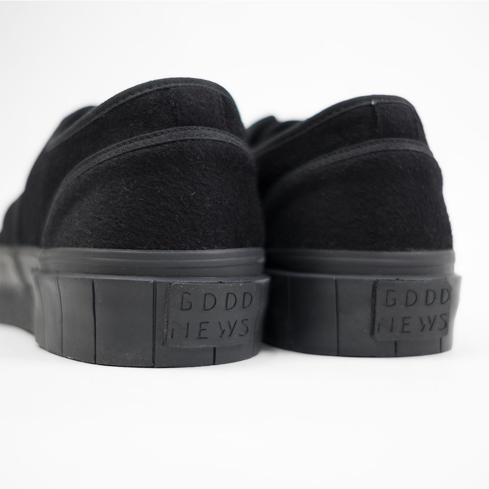 Good News Softball 2 Low Sneaker- Black 7