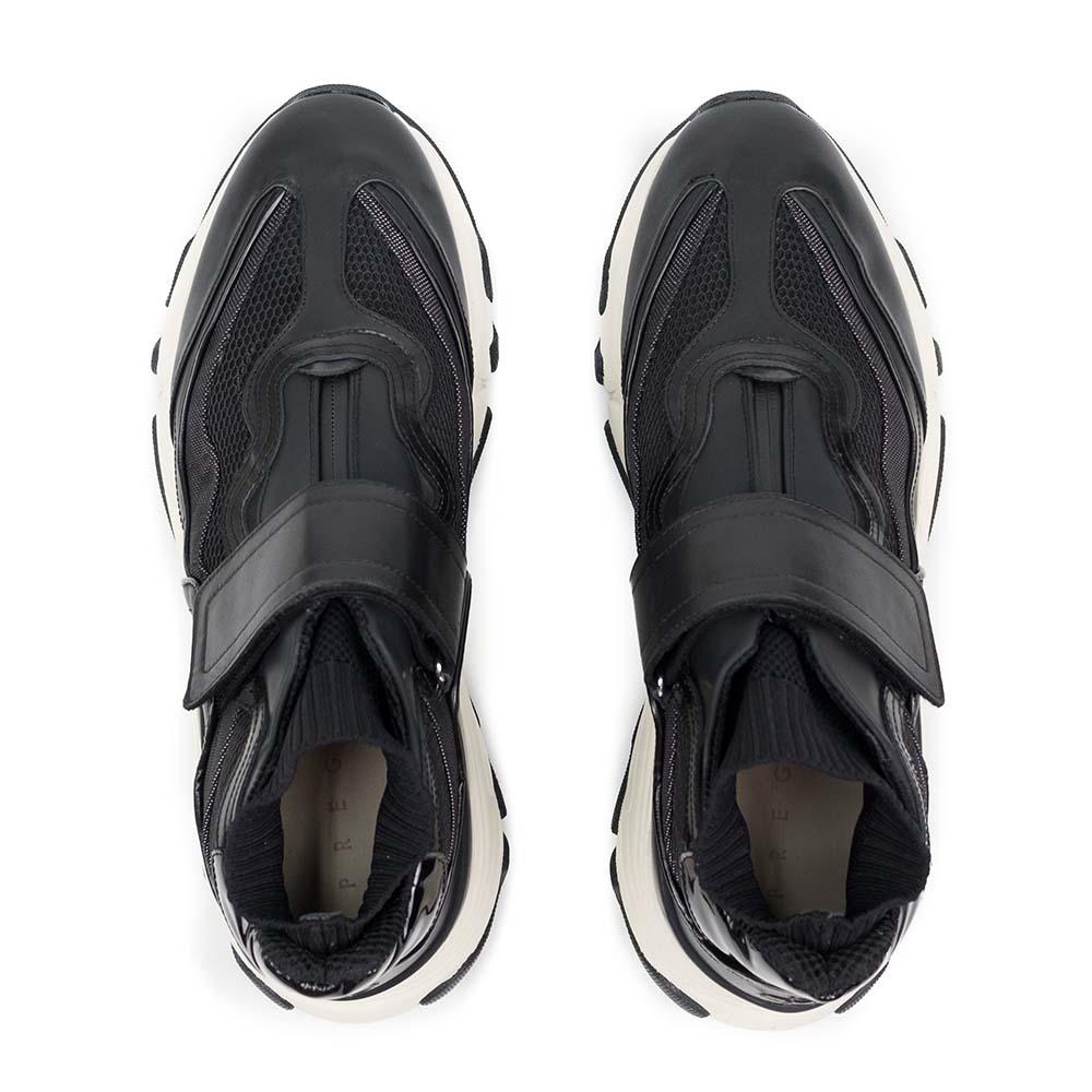 PREGIS Aster Leather Runner Sneaker - Black