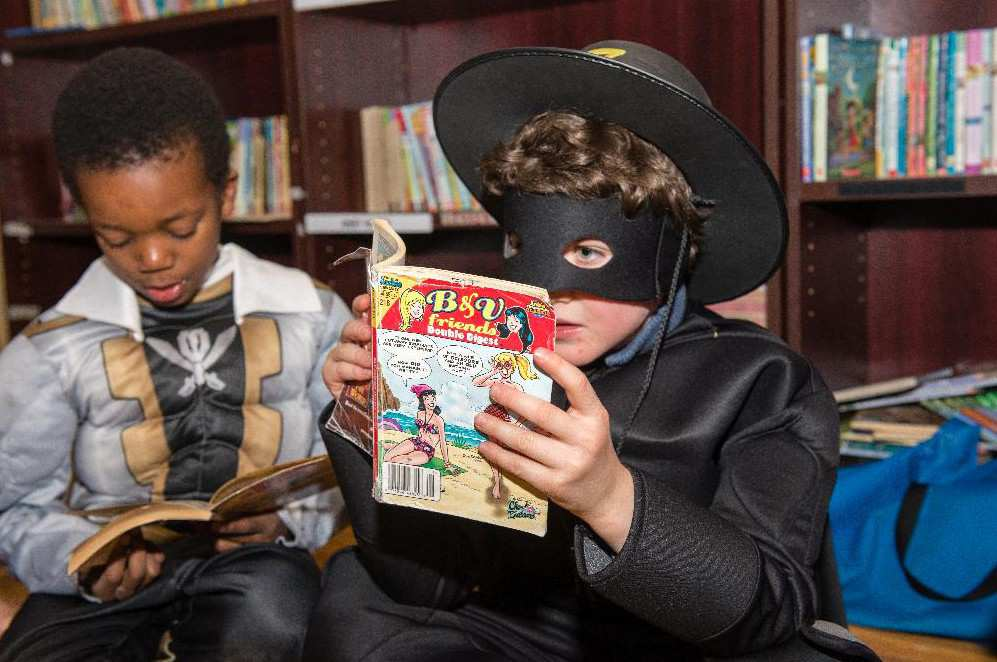 benjamin-dressed-as-zorro-reads-an-archie-comic-book-at-ro-e1415410050477