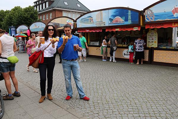 Andorreando comiendo salchichas alemanas