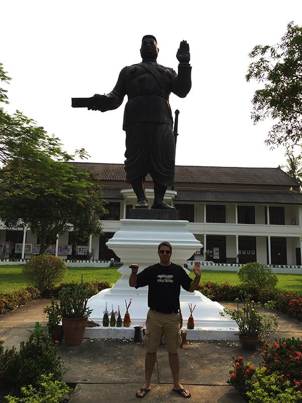 Estatua Rey Sisawang Vong