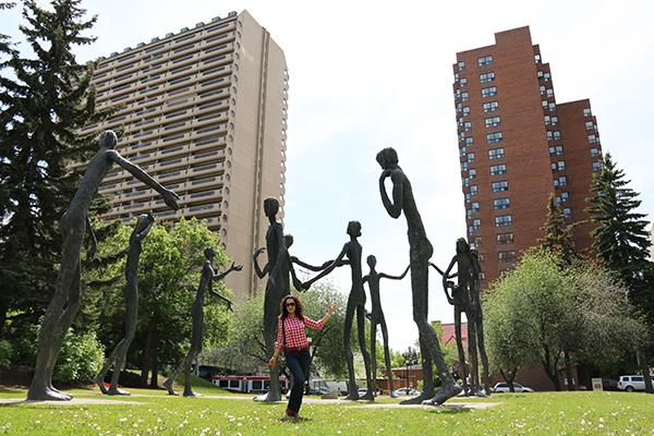 Escultura Family Of Man