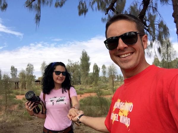 alrededores Centro Cultural Uluru-Kata Tjuta-Andorreando por el Mundo